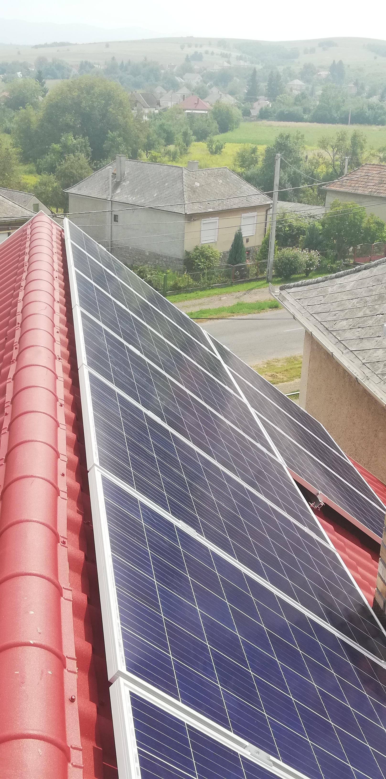 Csernely - 3,025KWP teljesítményű napelemes rendszer